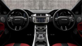Interior com dois volantes