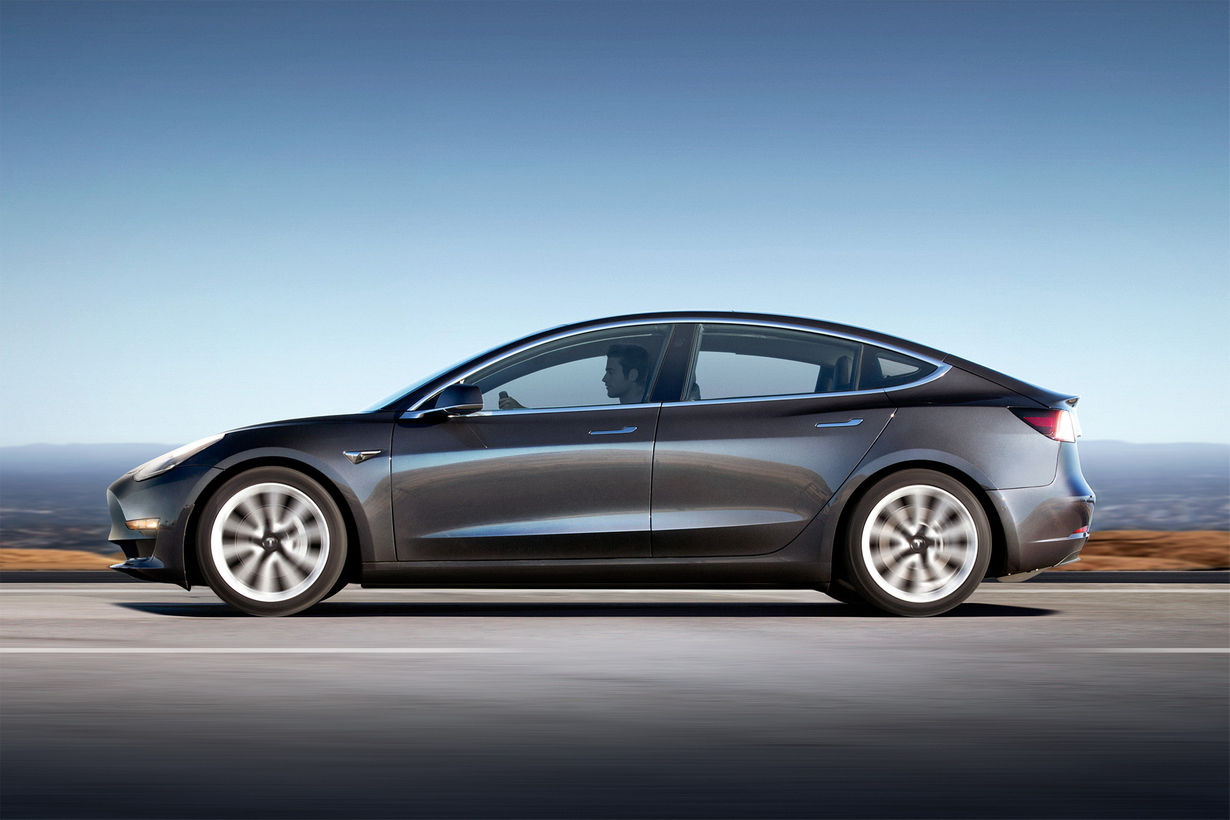 Fique a par do essencial sobre o novo Tesla Model 3