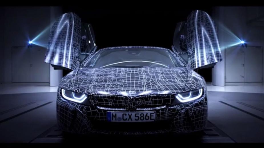VÍDEO: BMW i8 Roadster de produção aparece em teaser