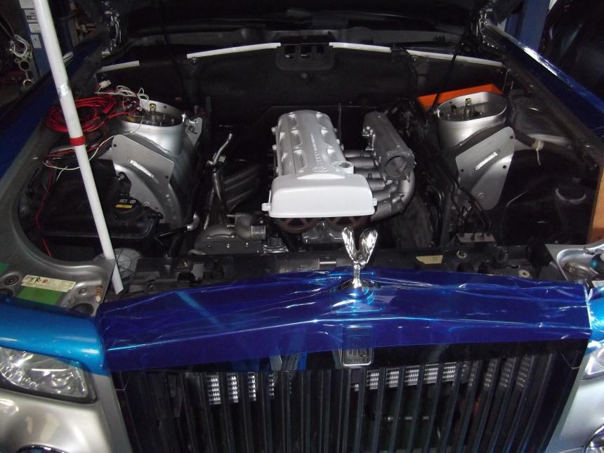 2JZ instalado no Rolls-Royce Phantom