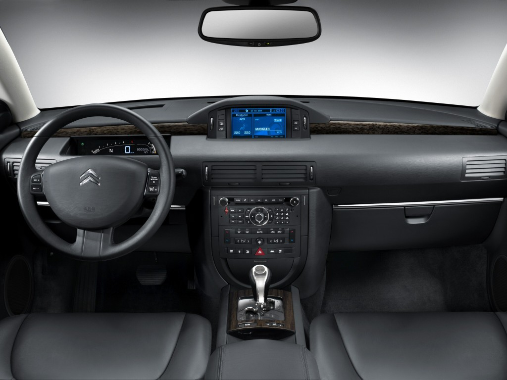 Citroën C6 interior