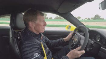 Walter Rohrl ao volante do Porsche 911 GT3