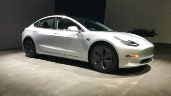 Tesla Model 3 vendido no Craiglist