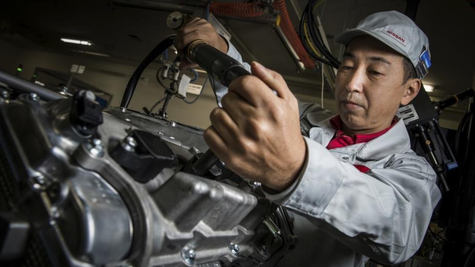 Montagem motor do Nissan GT-R