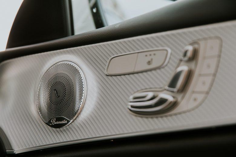 Mercedes E limousine
