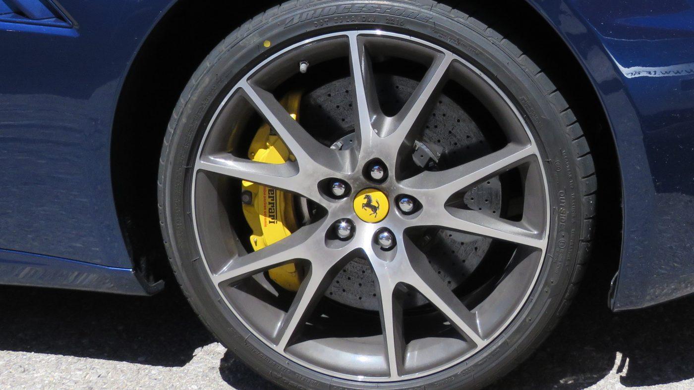marca redonda nos pneus