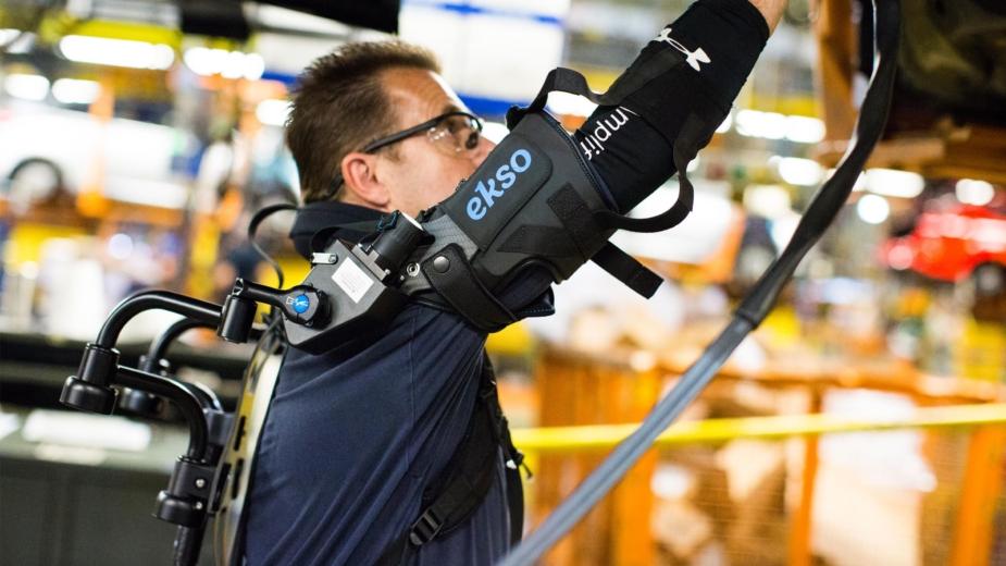 Ford EksoVest - exosqueleto para trabalhadores na linha de produção