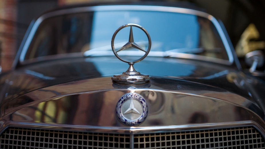 Mercedes-Benz — símbolo