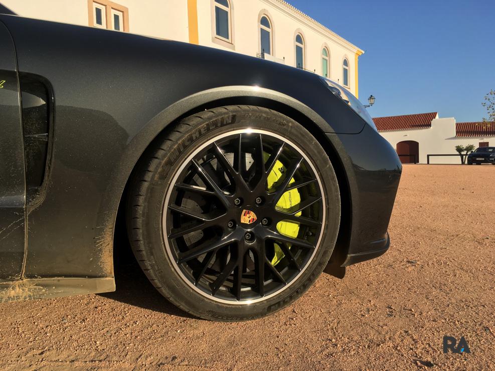 porsche panamera turbo s e-hybrid-4