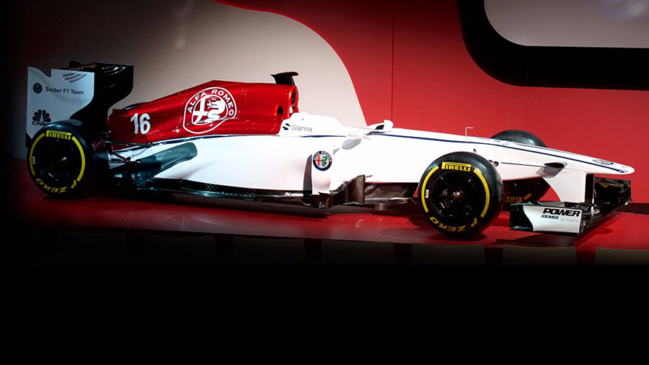 Alfa Romeo Sauber F1 Team — monolugar decorado com as novas cores