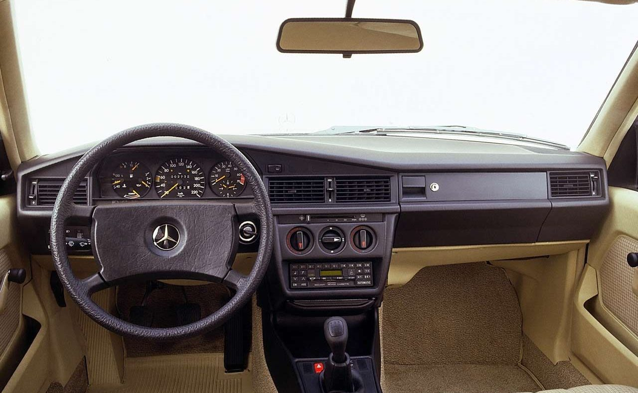 mercedes-benz 190 — interior