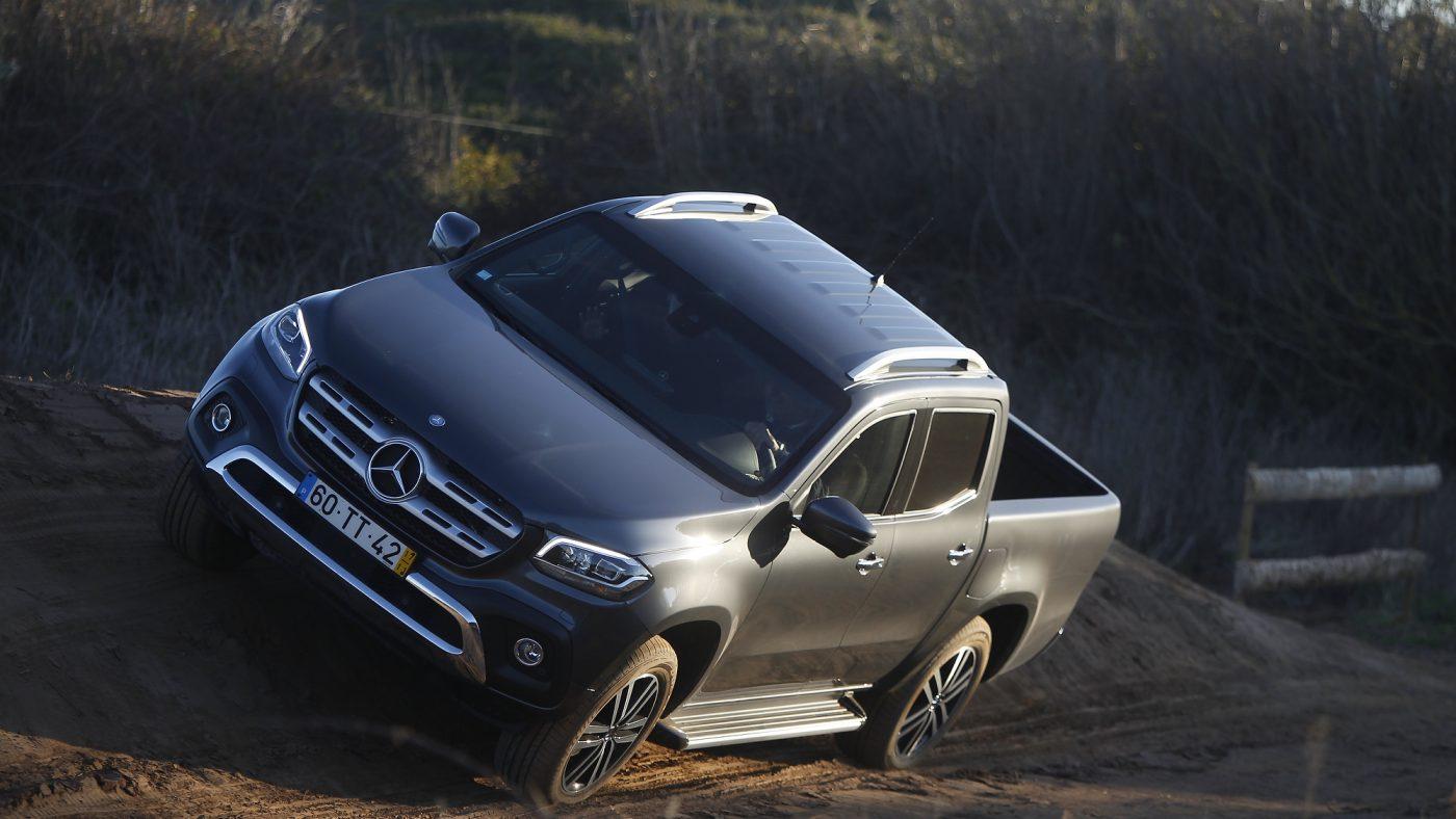 Mercedes-Benz Classe X — inclinação lateral