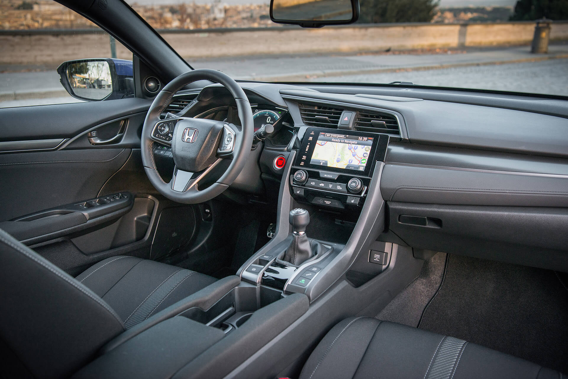 Honda Civic 1.6 i-DTEC — interior
