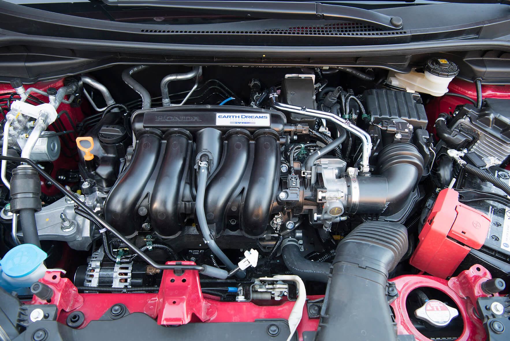 Honda Jazz 1.5 i-VTEC Dynamic — motor