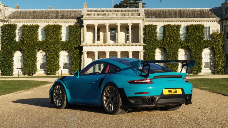 Porsche 911 GT2 RS à frente da Goodwood House — Goodwood Festival of Speed