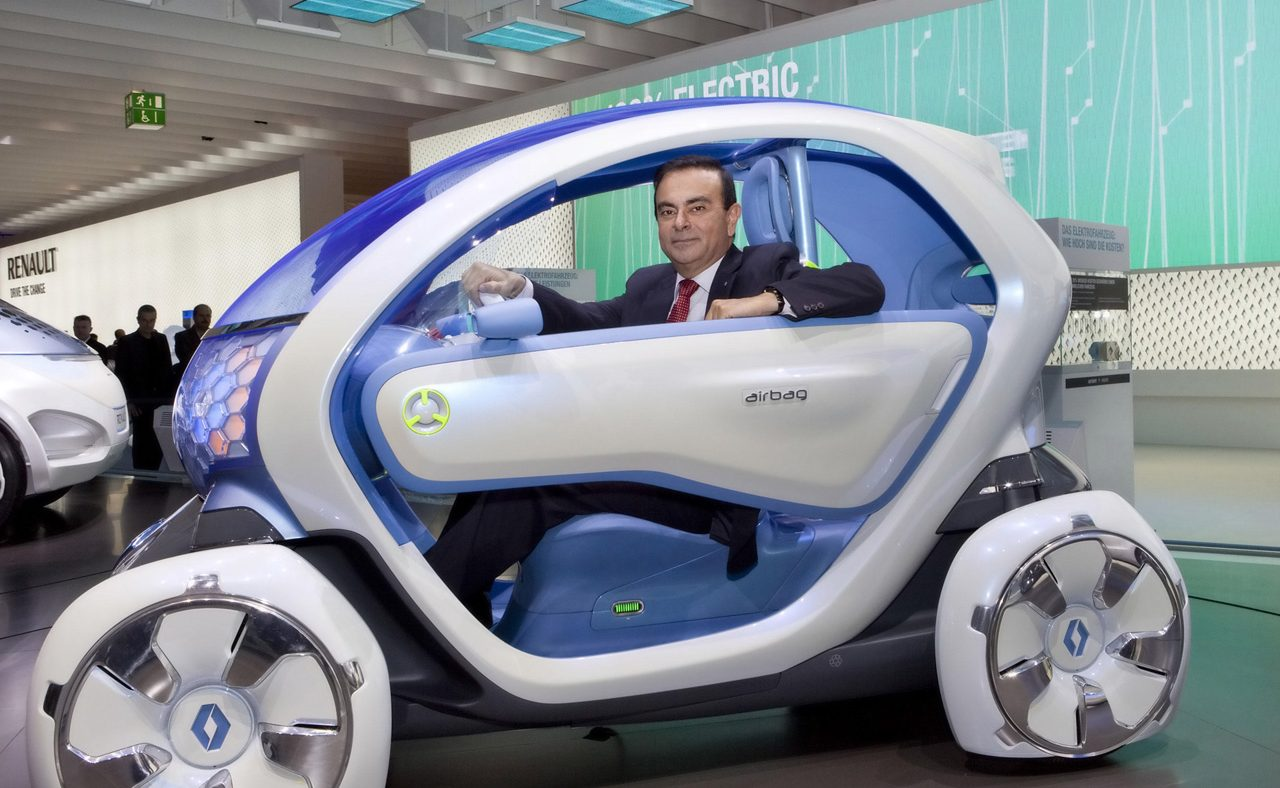 Carlos Ghosn com Renault Twizzy Concept