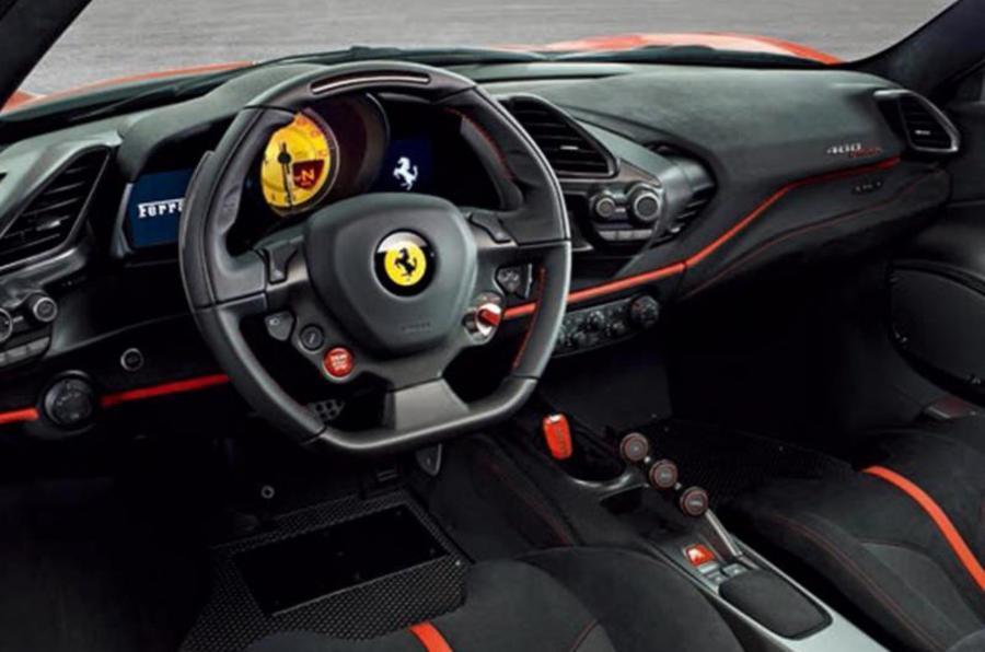 Ferrari 488 Pista — interior