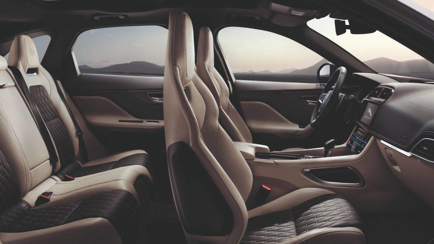 Jaguar F-Pace SVR, bancos dianteiros