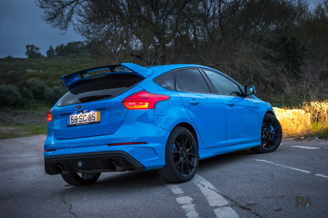 ford focus rs portugal teste comparativo 18. Black Bedroom Furniture Sets. Home Design Ideas