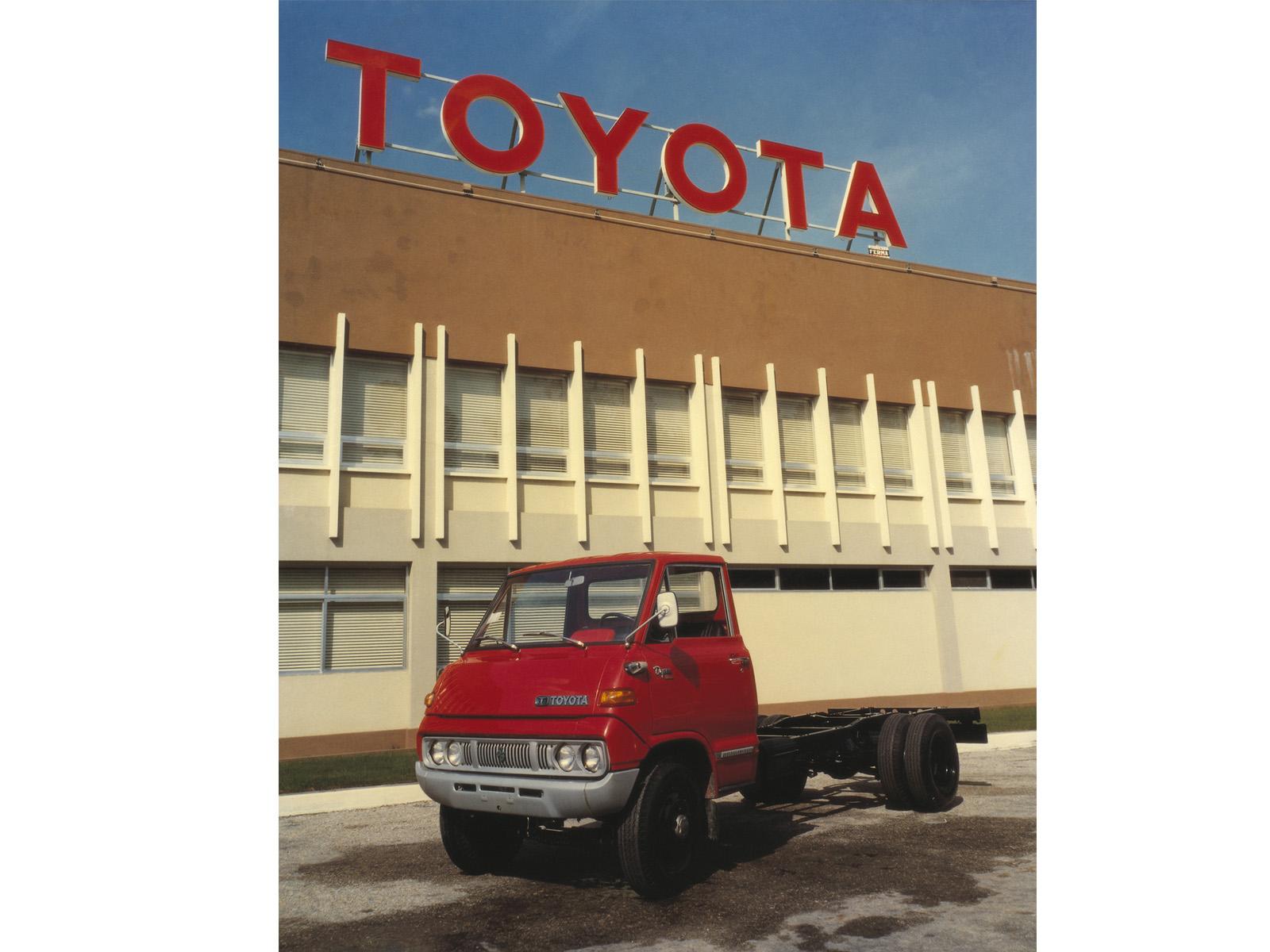 Toyota Dyna BU15