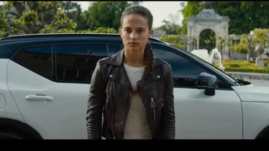 Tomb Raider Lara croft volvo xc40