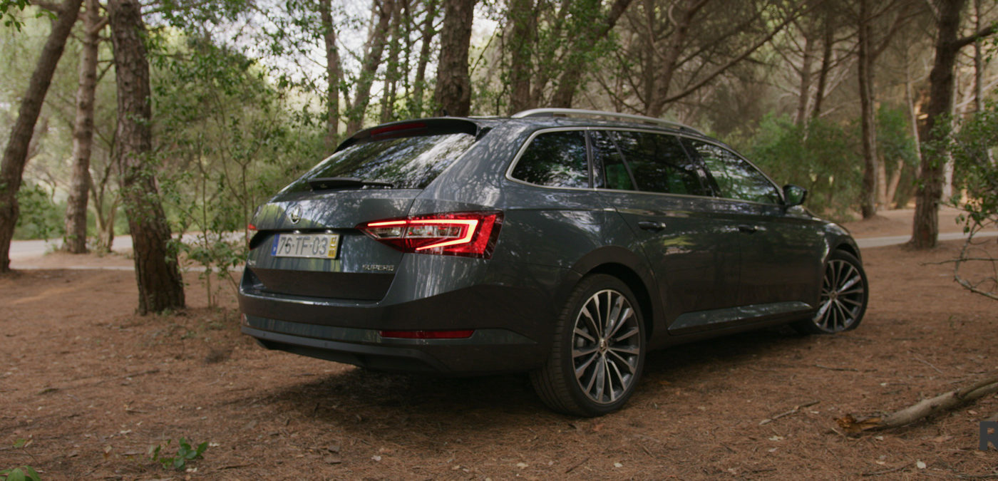 Skoda Superb Break Review teste