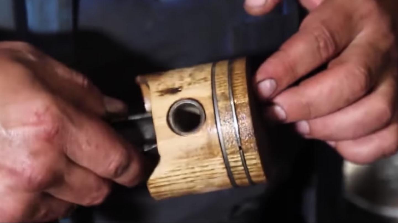 Pistão de madeira