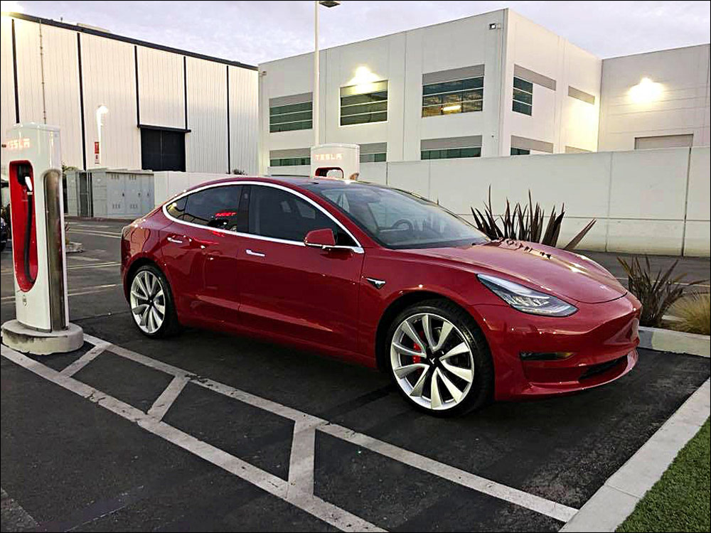 Tesla Model 3 Dual Motor Performance 2018