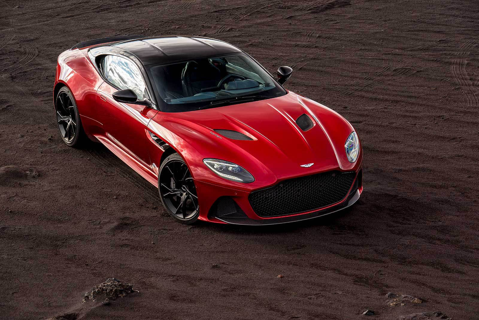 Aston Martin DBS Superleggera 2018