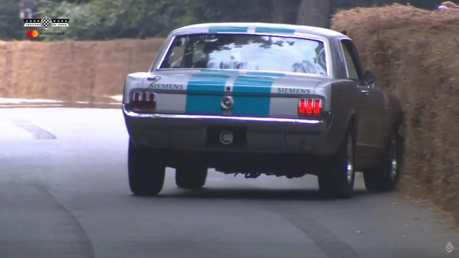 Ford Mustang autónomo