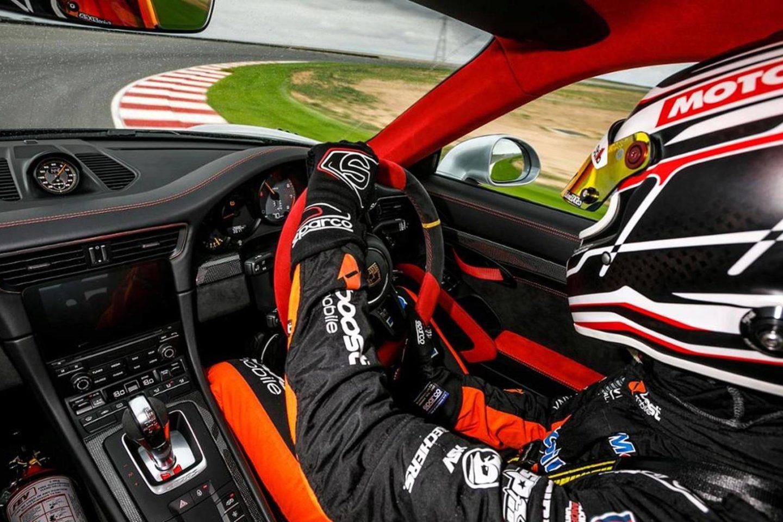 Porsche 911 GT2 RS Bend Motorsport Park 2018