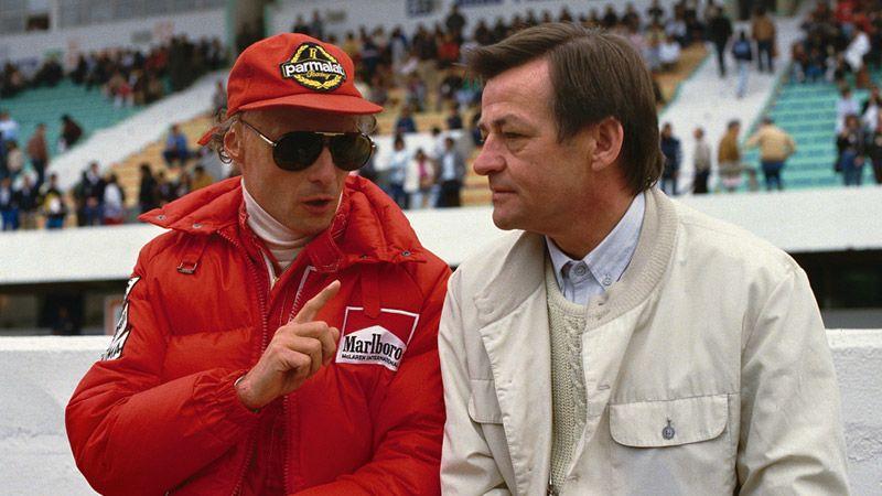 Nikki Lauda à conversa com Hans Mezger.