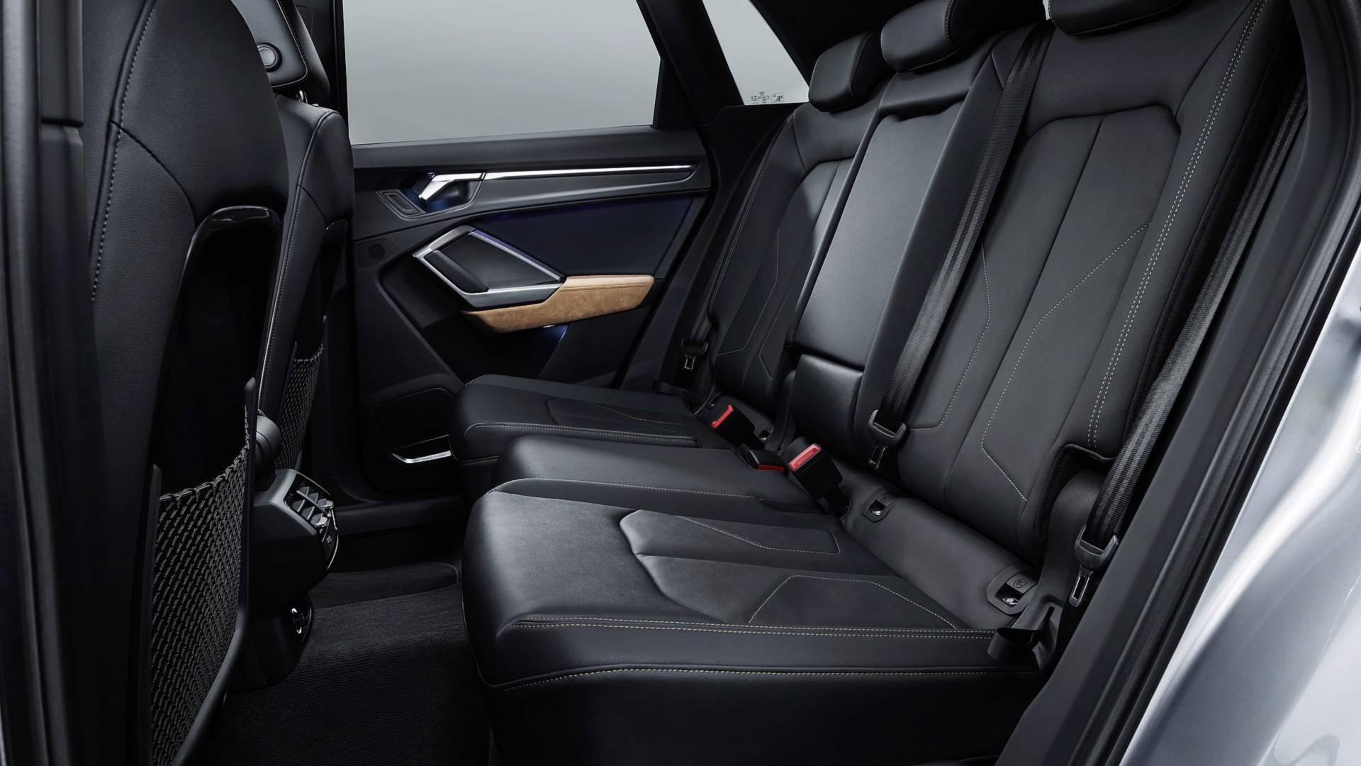 Audi Q3 2018, banco traseiro