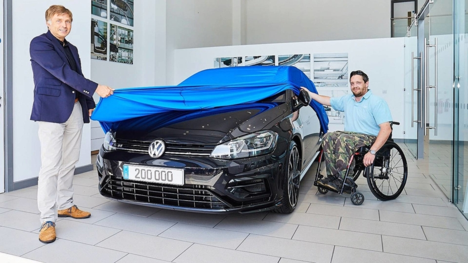 Keith Williamson, Volkswagen Golf R e Jost Capito, CEO da Volkswagen Golf R