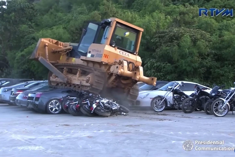 Destruição carros luxo Filipinas 2018