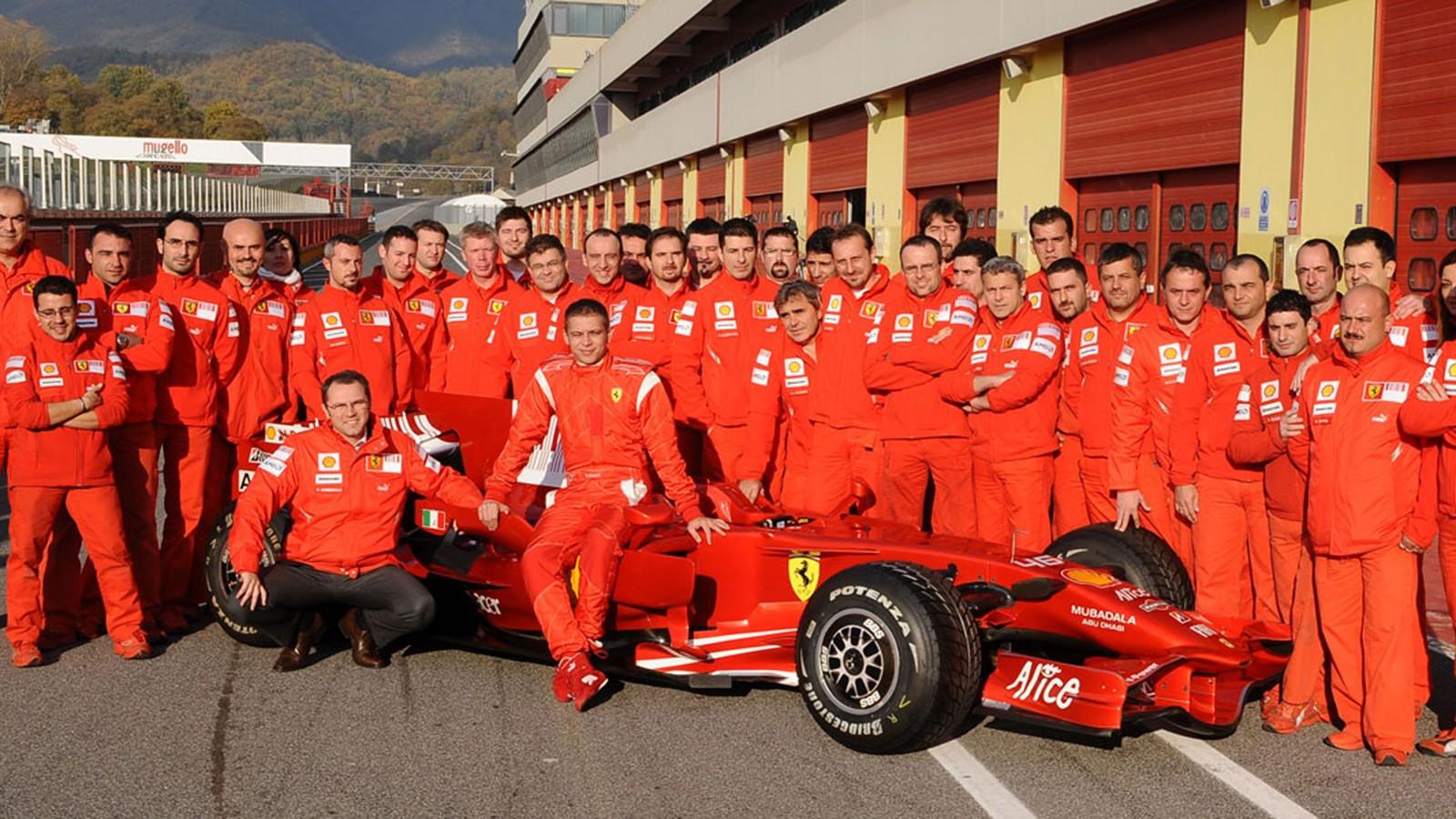 Foto de família, Valentino Rossi e Ferrari