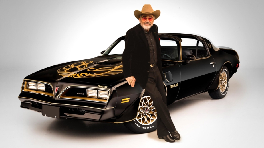 Burt Reynolds com Pontiac Firebird Trans Am