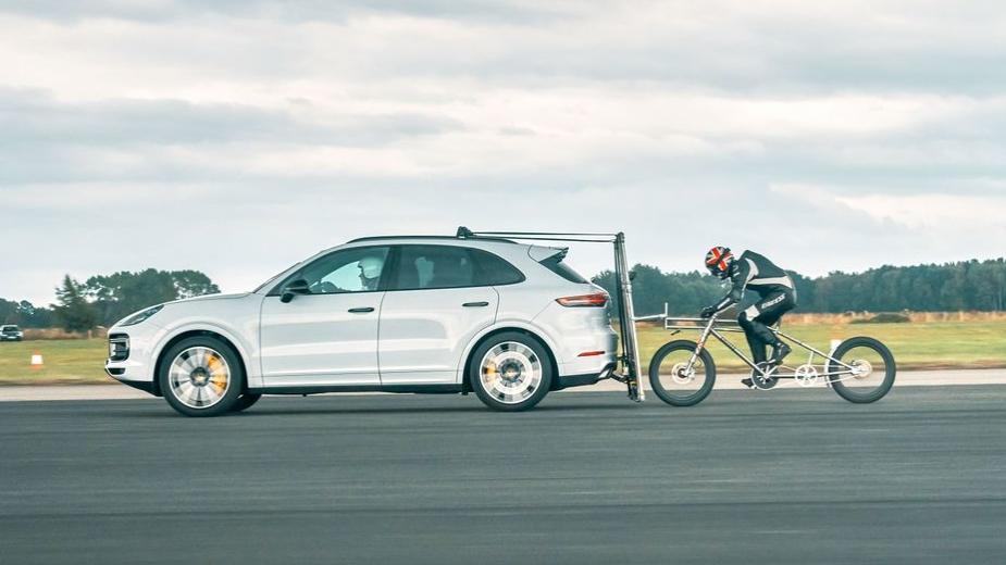 Porsche Cayenne Turbo, Recorde Velocidade Bicicleta