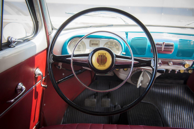 SEAT 1400 interior