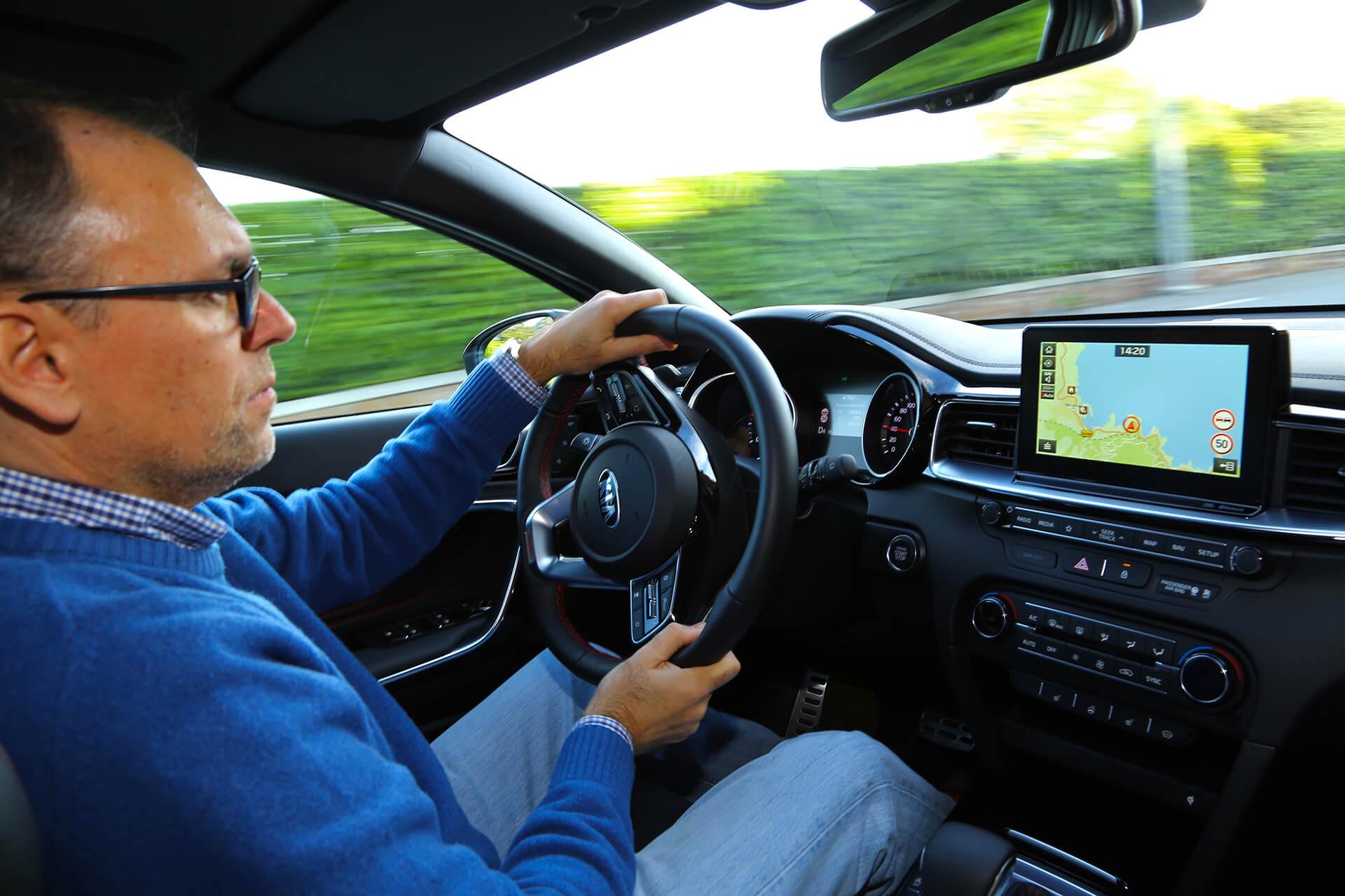 Ao volante da Kia Proceed