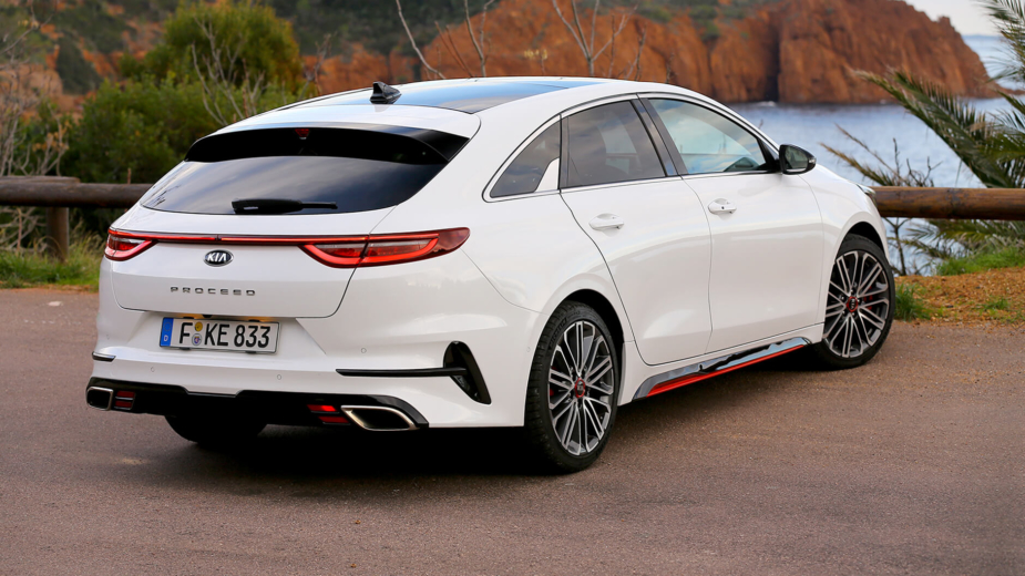 Kia Ceed Shooting Brake GT  обзор