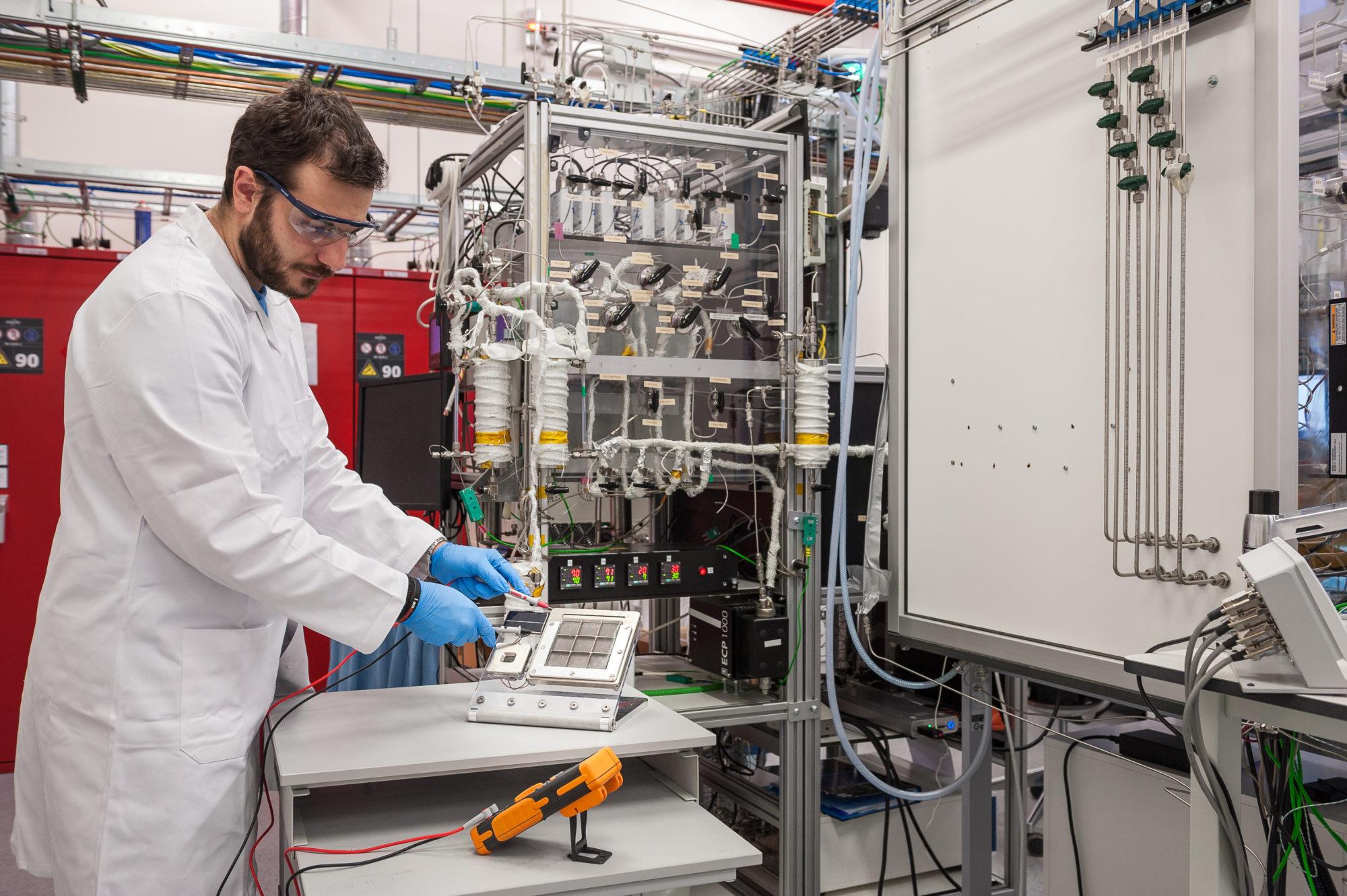 Toyota célula fotoeletroquímica