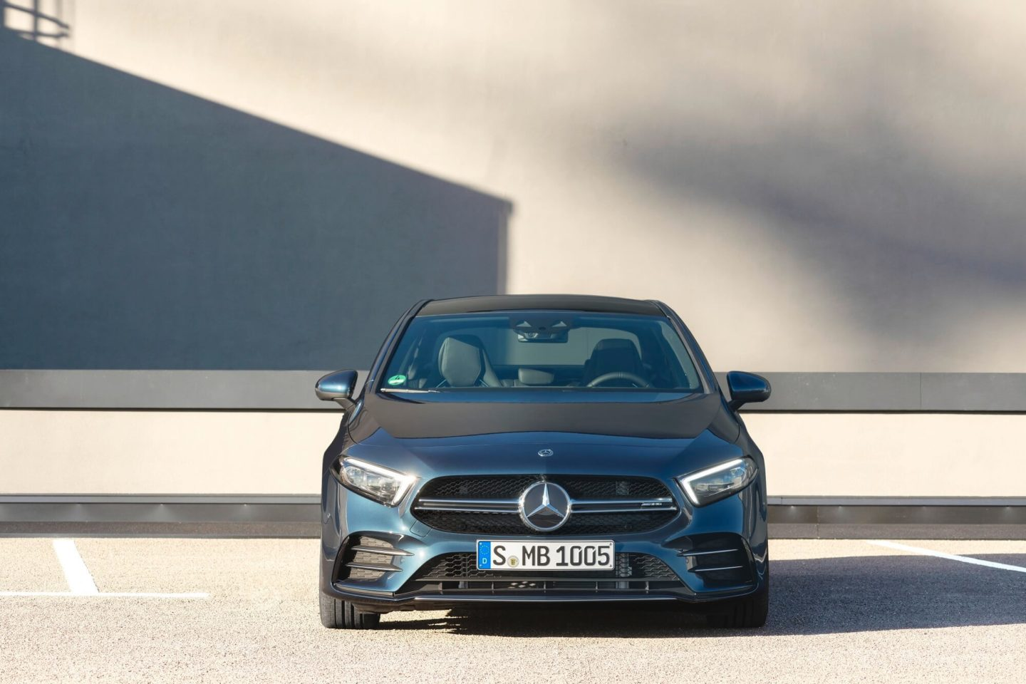Mercedes-AMG A35 4MATIC Limousine