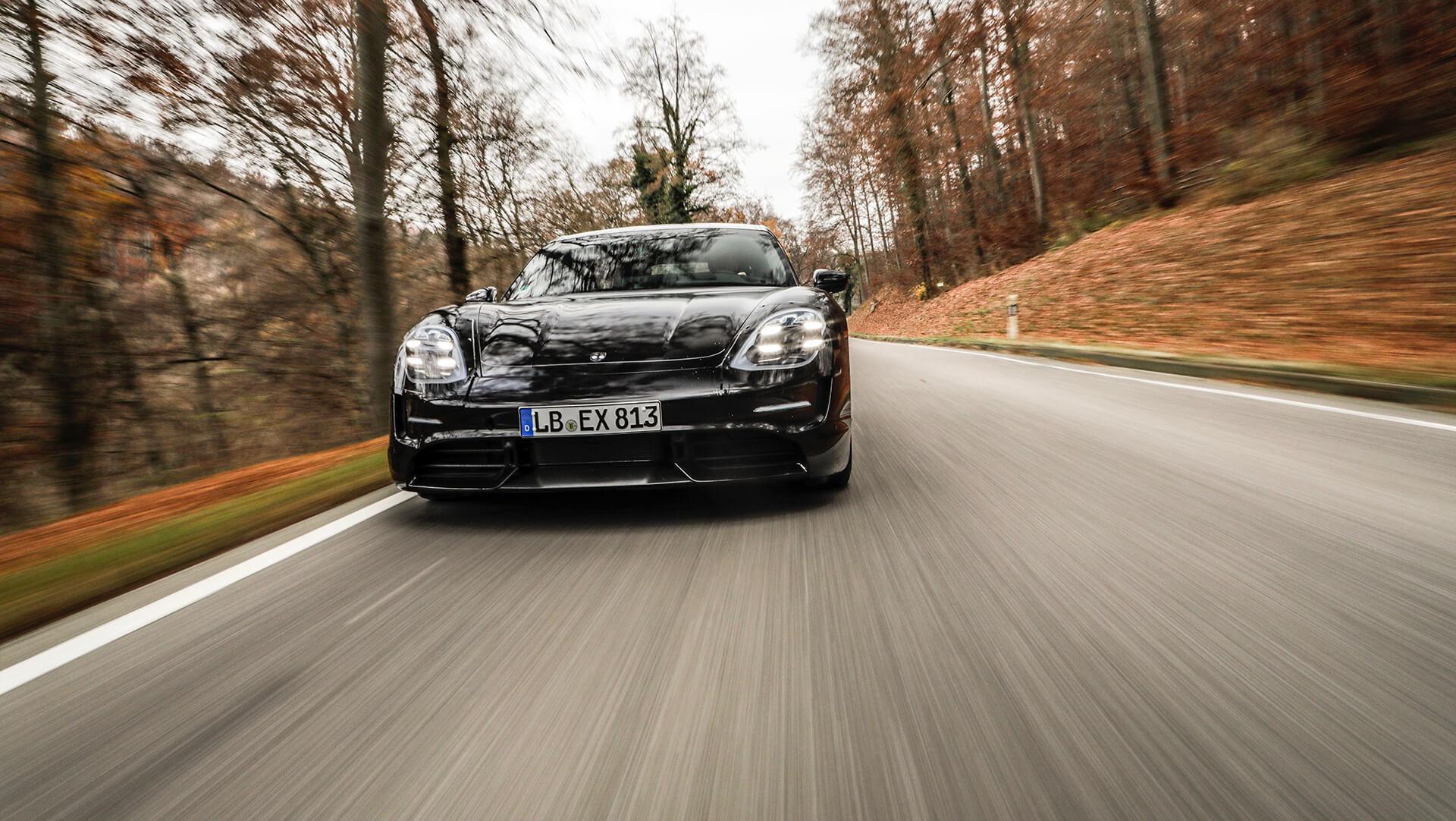 Porsche Taycan teste desenvolvimento