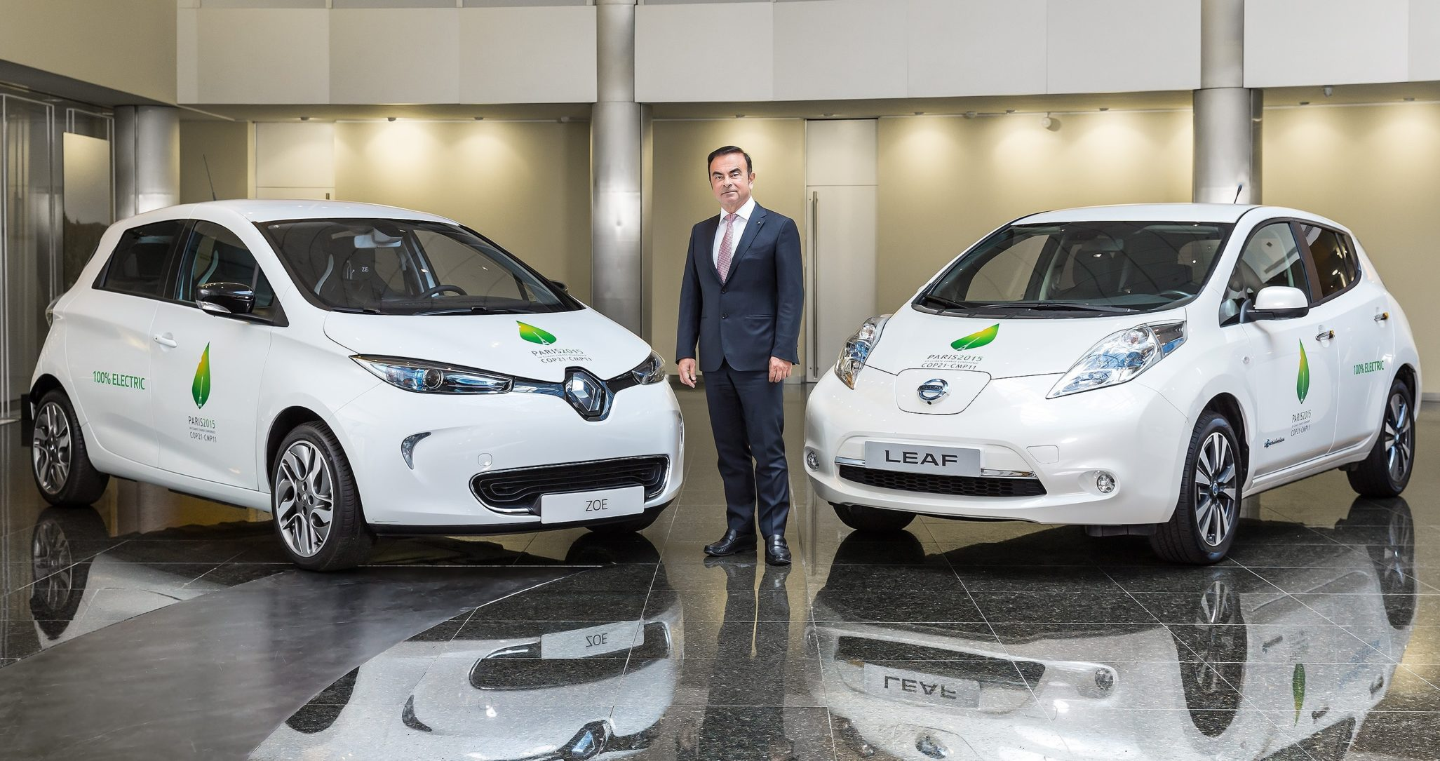 Carlos Ghosn com Renault Zoe e Nissan Leaf