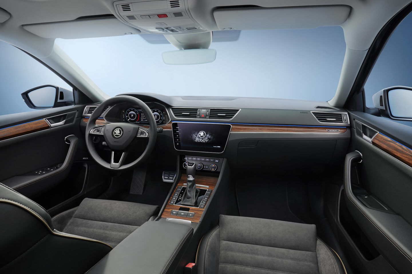 Skoda Superb Scout 2019