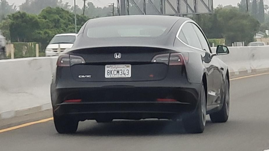 Tesla Model 3 Honda Civic