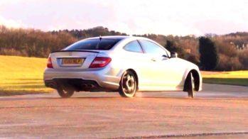Drift Mercedes C63 AMG