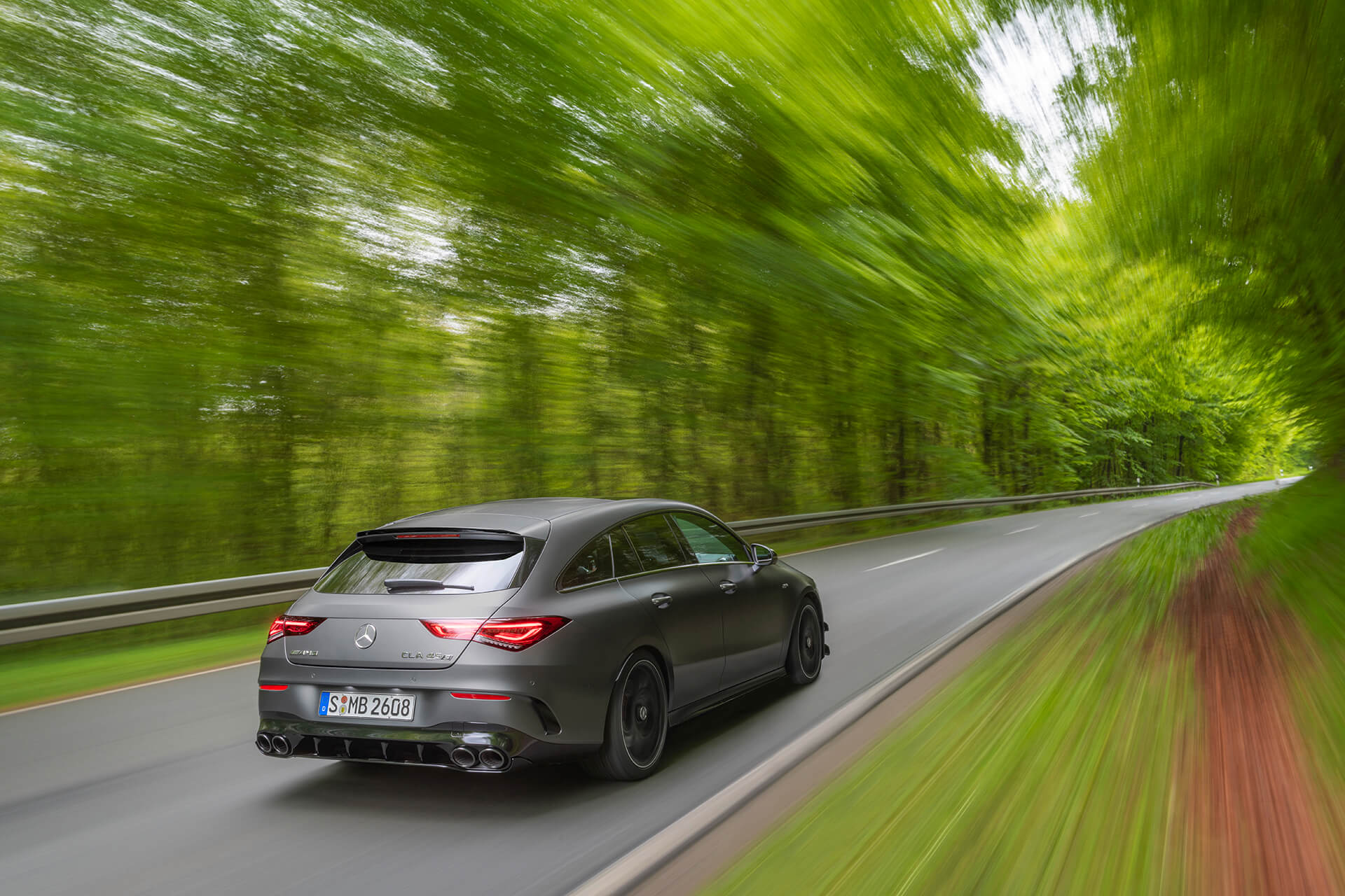 Mercedes-AMG CLA 45 S 4MATIC+ Shooting Brake