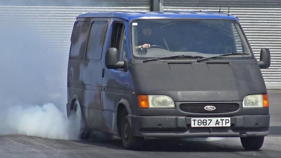 Ford Transit V8